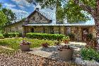 New Braunfels Texas: Historic Kuebler Waldrip Haus Bed And Breakfast